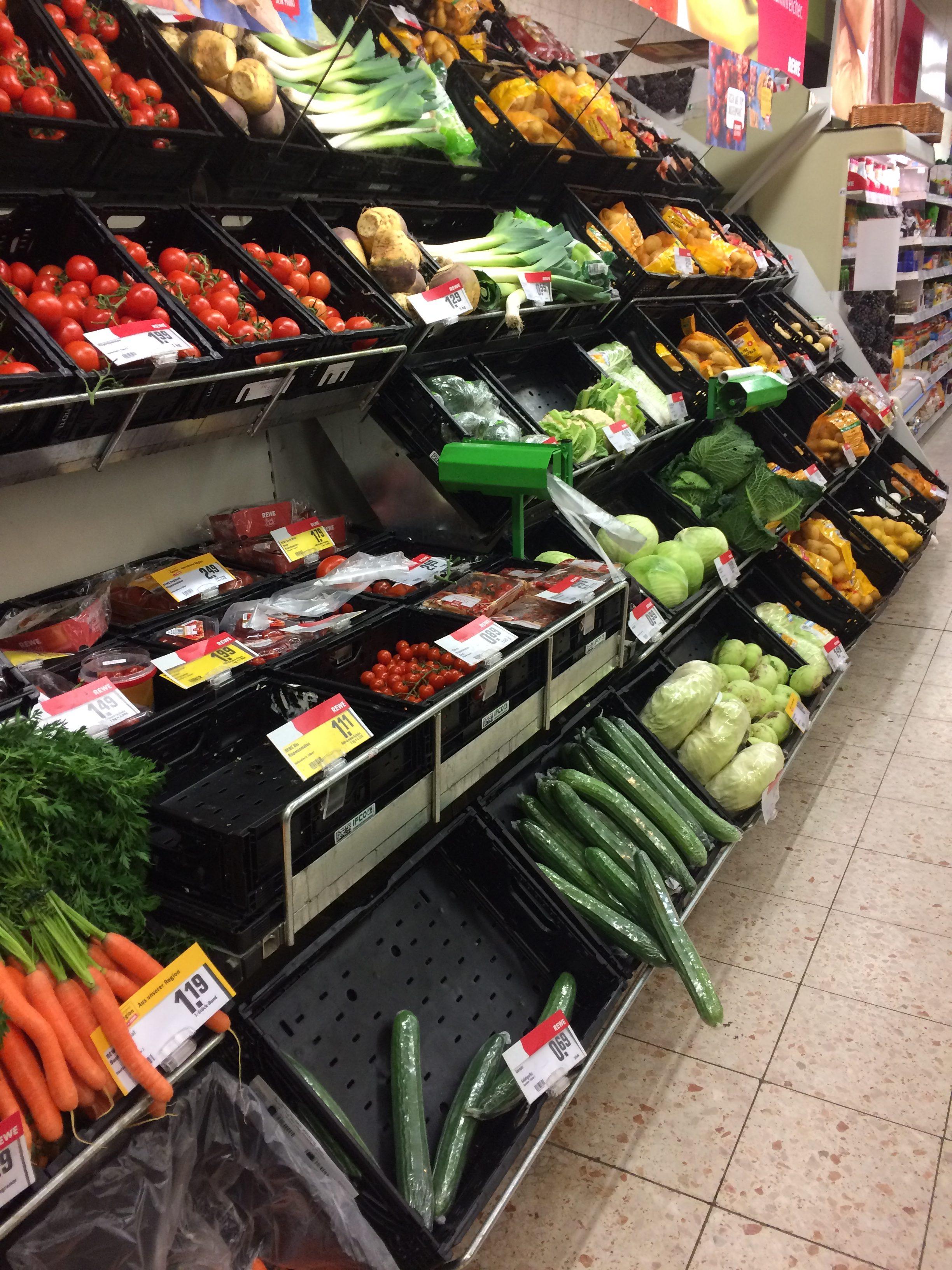 Ein Rewe-Markt der eigentlich noch ein Comet ist - Supermarkt Inside