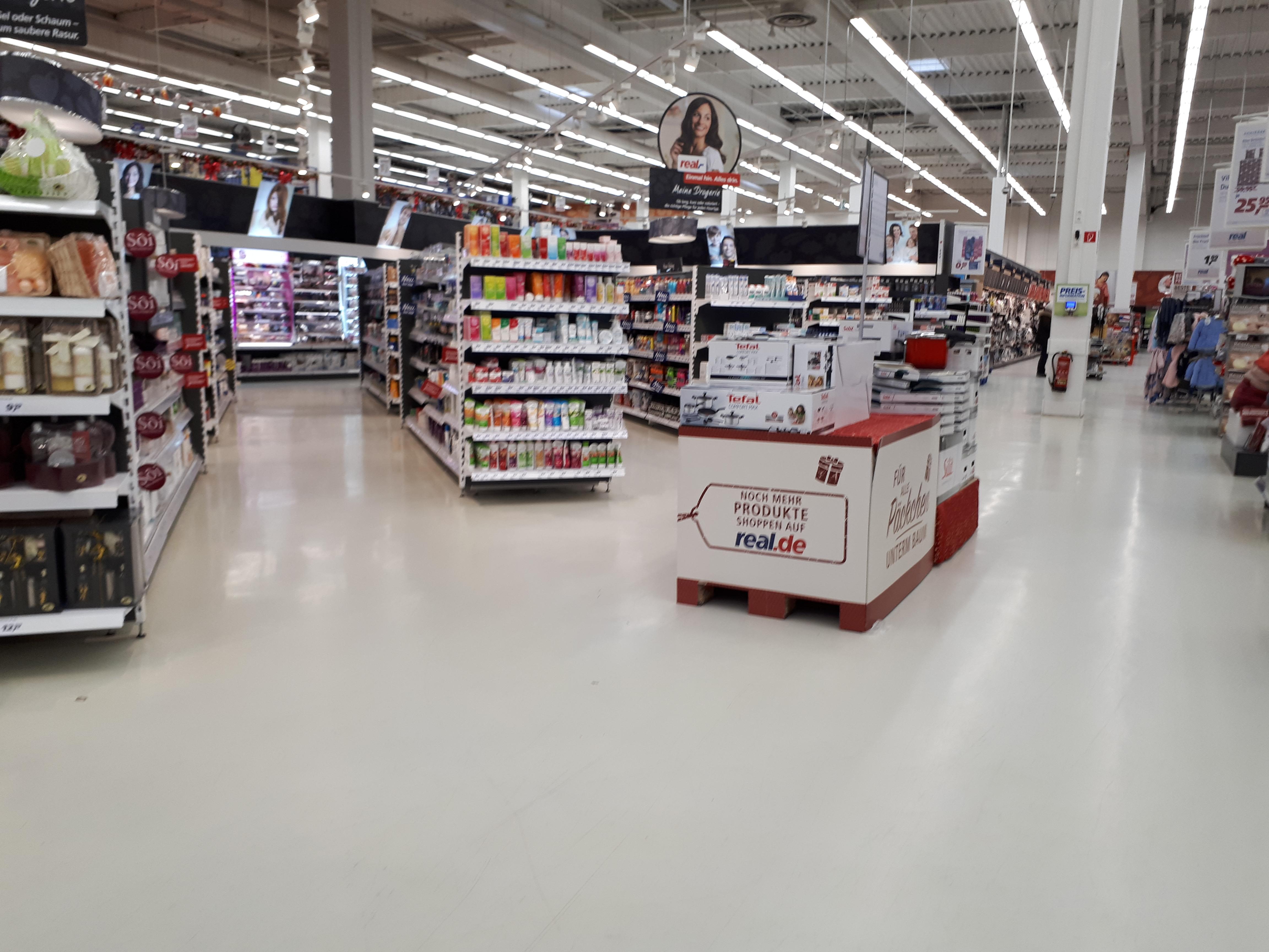 Würzburg: Aus Wertkauf wurde Walmart der wurde dann Real ...